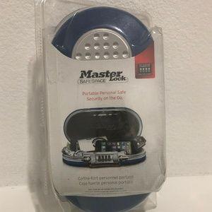 MasterLock5900D Portable Personal Safe Combination